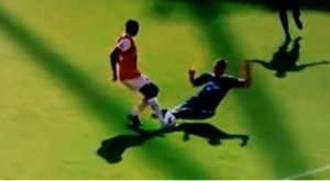 Paul Robinson Diaby tackle